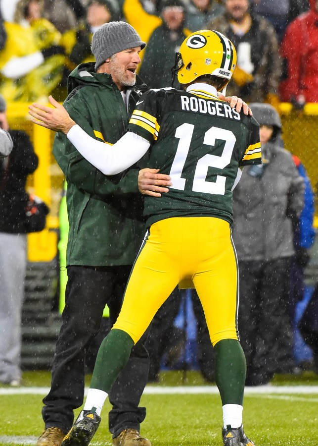 Brett Favre: 'No one's going to replace' Aaron Rodgers as Packers quarterback