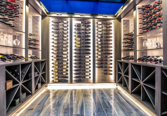 Detroit Lions quarterback Matthew Matthew Stafford at 1867 Long Pointe Drive in Bloomfield Twp. has a temperature-controlled wine cellar of 625 bottles. The palace is on sale for $ 6.5 million. The five-bedroom, seven-bathroom lakefront home is 12,295 square feet, of which 7,720 are above ground.