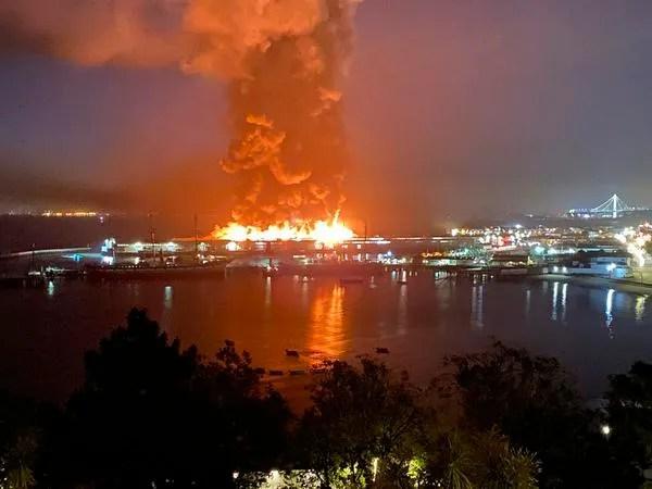 Fire Destroys Warehouse On San Francisco S Fisherman S Wharf