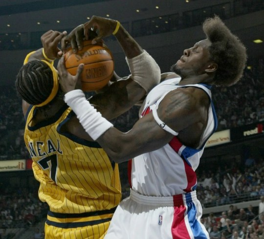 Ben Wallace linked Jermaine O'Neal in the third quarter.