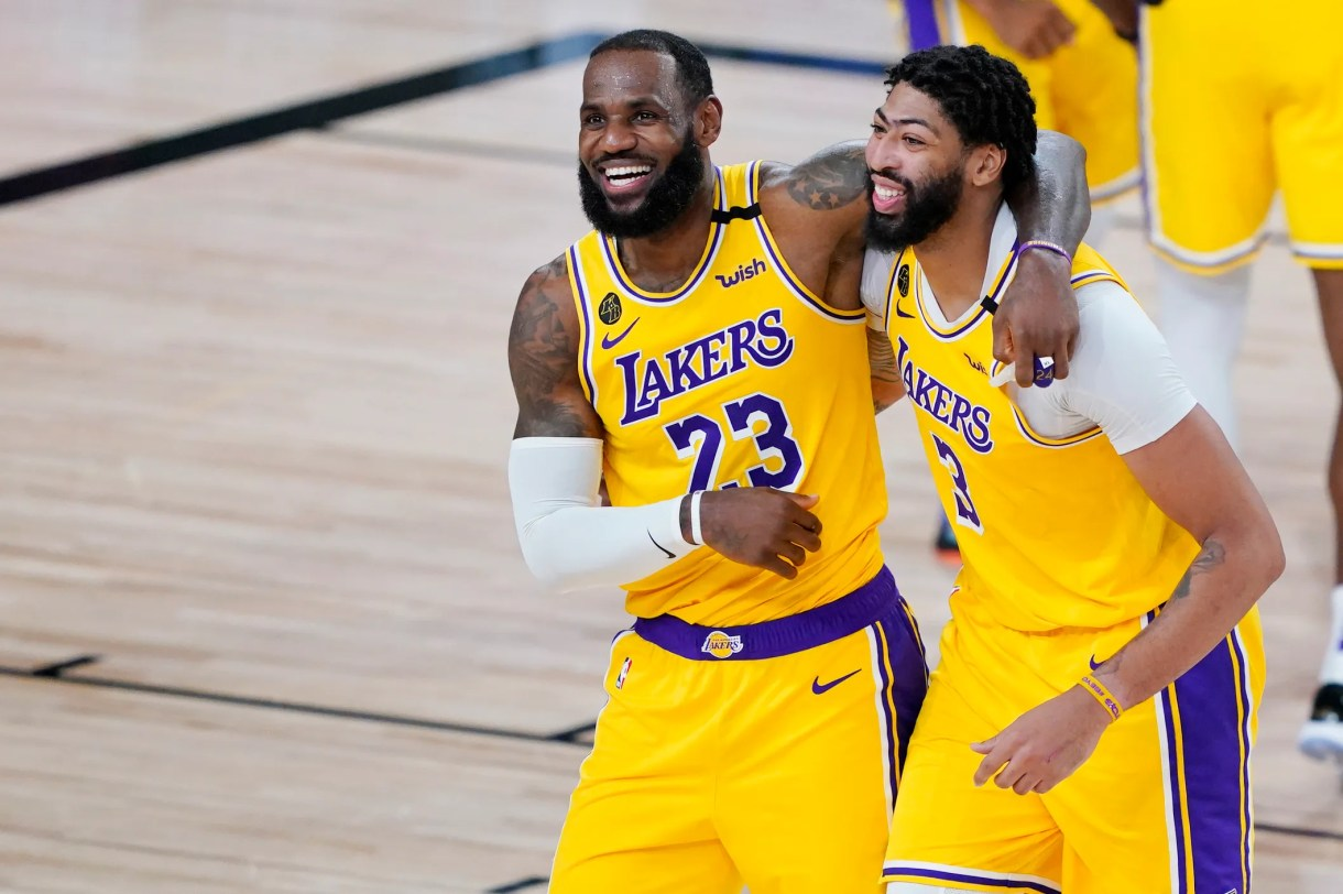 Lakers: LeBron James, Anthony Davis establish workman-like culture