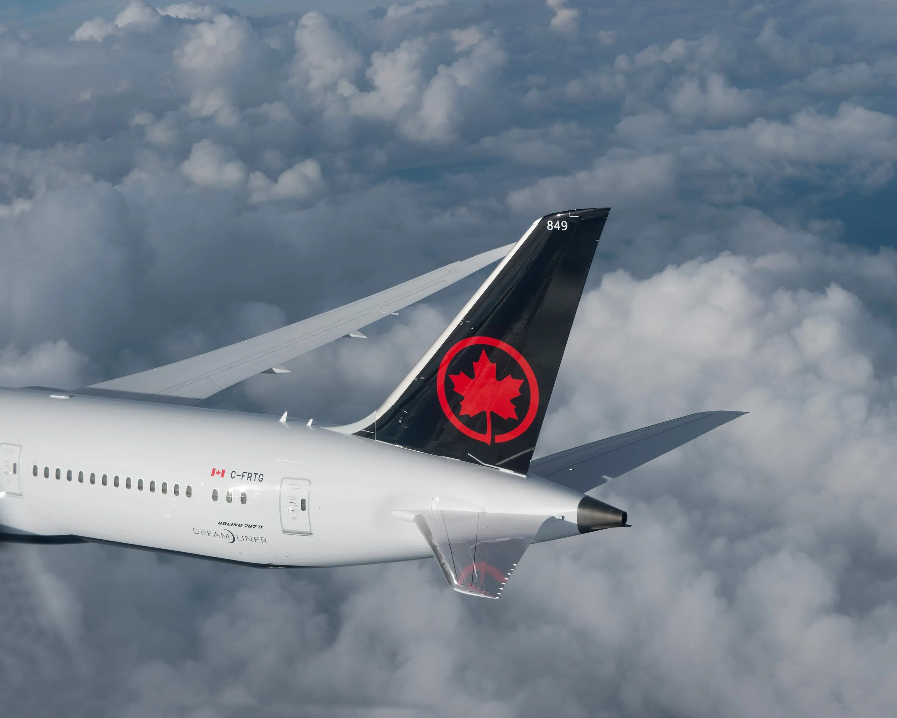 Air Canada announced a summer cross-border program with up to 220 daily flights between the United States and Canada as of August 9.