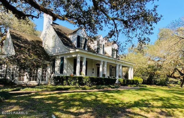 anything but your average historical Acadian mansion