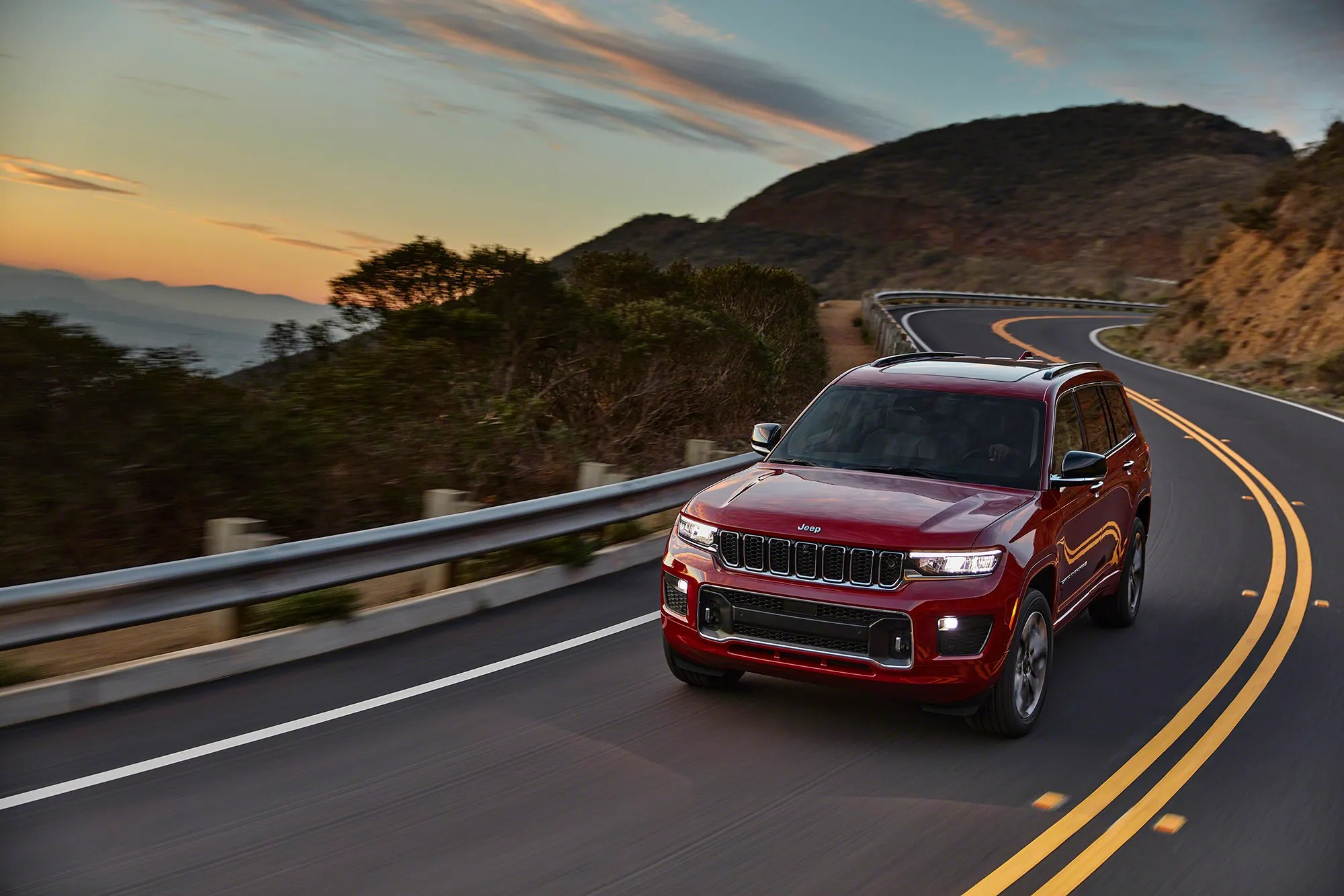 The all-new 2021 Jeep Grand Cherokee L Overland.