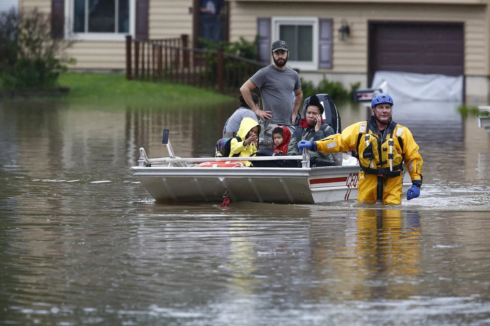 3187294f 6536 4a44 a7a6 611cb60f3182 875dq50kSiAawtUVu an6H7KbD4 Flood-prone homeowners could see major rate hikes in FEMA flood insurance changes, new study finds