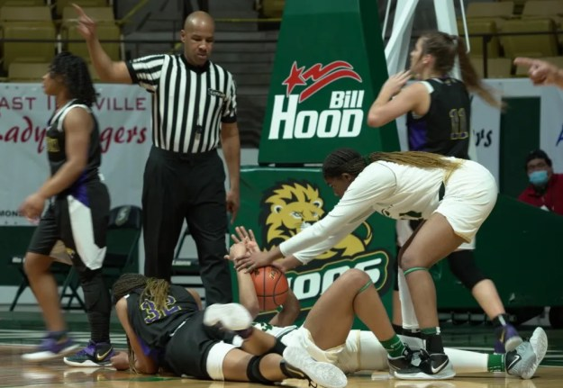 Benton and Captain Shreve battled for the LHSAA Class 5A state title Saturday night in Hammond.