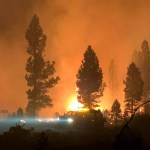 Oregon wildfire burns; Dixie Fire ongoing in California 💥💥
