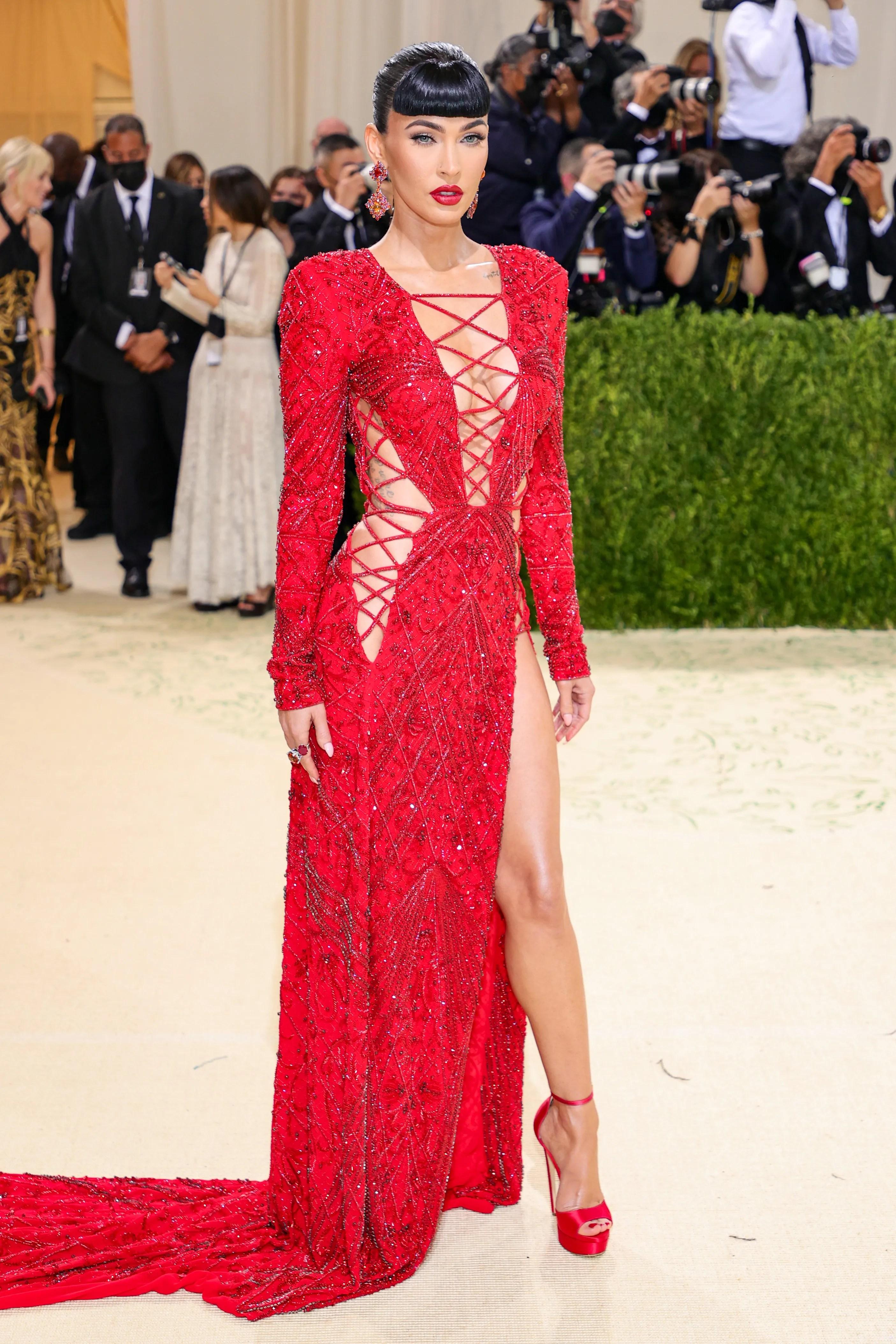 d7bc6646 082c 4fdc a74f 439fea34215b GTY 1340138575 Met Gala 2021: Megan Fox, Rihanna, Kim Kardashian, AOC, more wild red-carpet looks