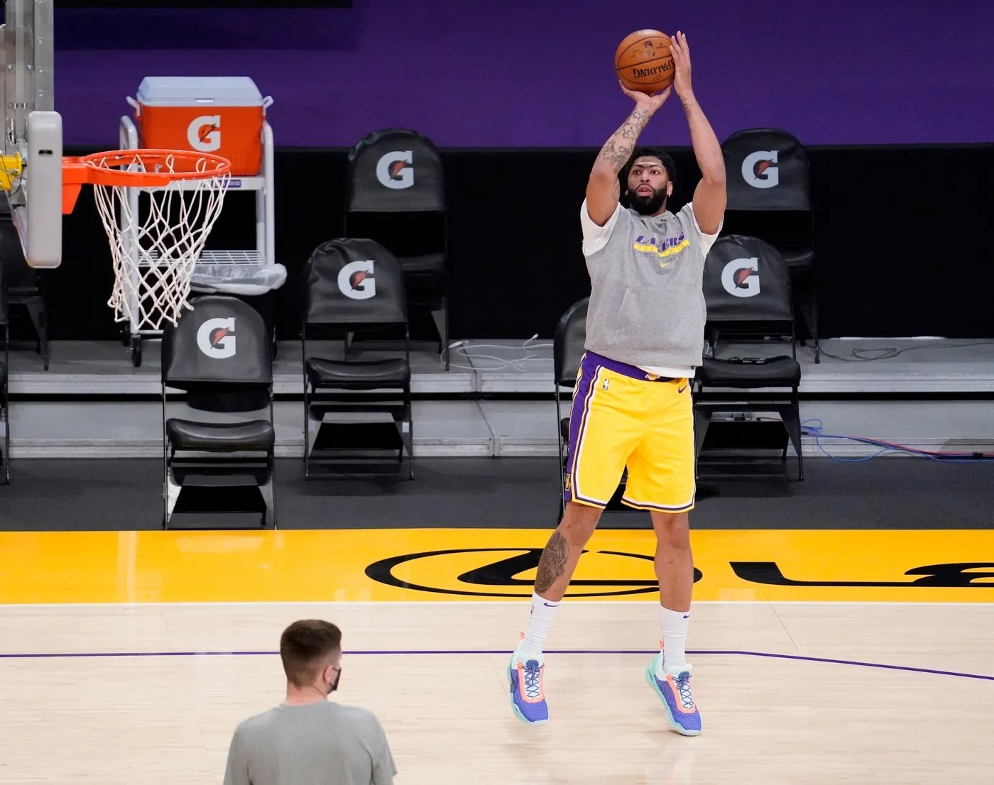 Mar 26, 2021; Los Angeles, California, USA; Los Angeles Lakers forward Anthony Davis works out before the Lakers play the Cleveland Cavaliers at Staples Center. Davis has missed several weeks because of a calf injury.