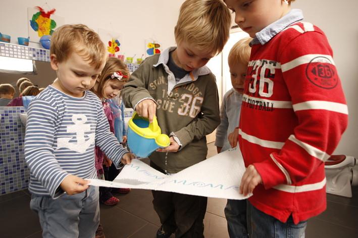 neues forschungslabor in hamburg der zewa kindergarten in hamburg lokstedt. Black Bedroom Furniture Sets. Home Design Ideas