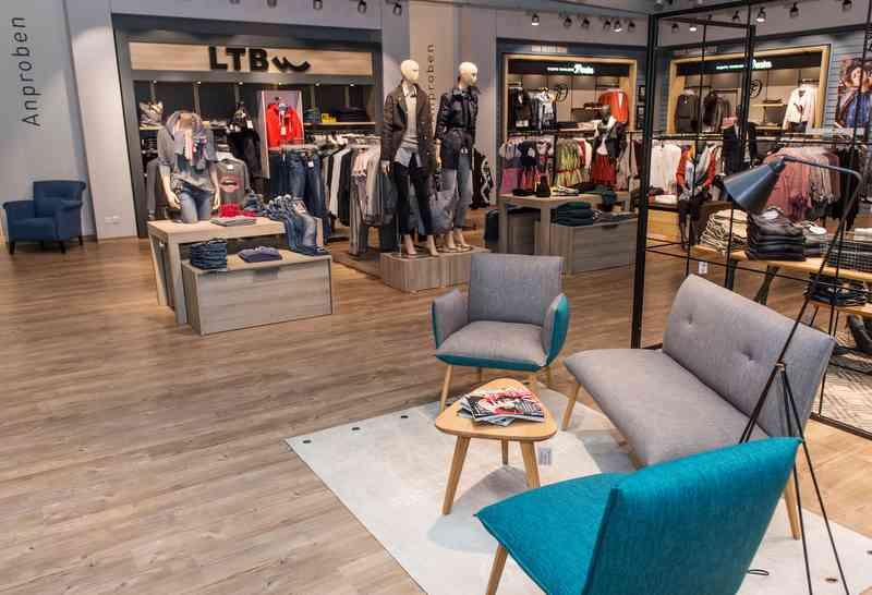 premiere dodenhof geht in die city von kaltenkirchen. Black Bedroom Furniture Sets. Home Design Ideas