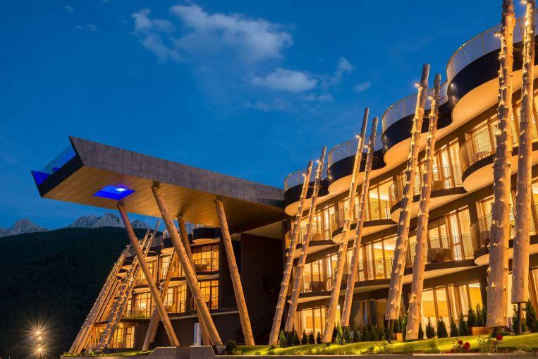 Von aussen - das Alpin Panorama Hotel Hubertus