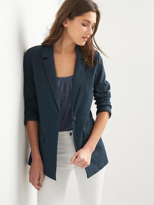 What to Wear for your first internship; gap blazer