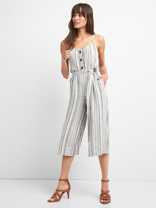 gap-linen-jumpsuit