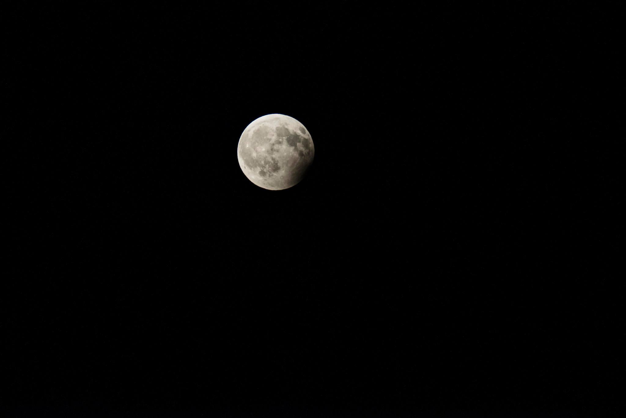 Eclissi parziale di luna - 7 agosto 2017 - Skender Buci