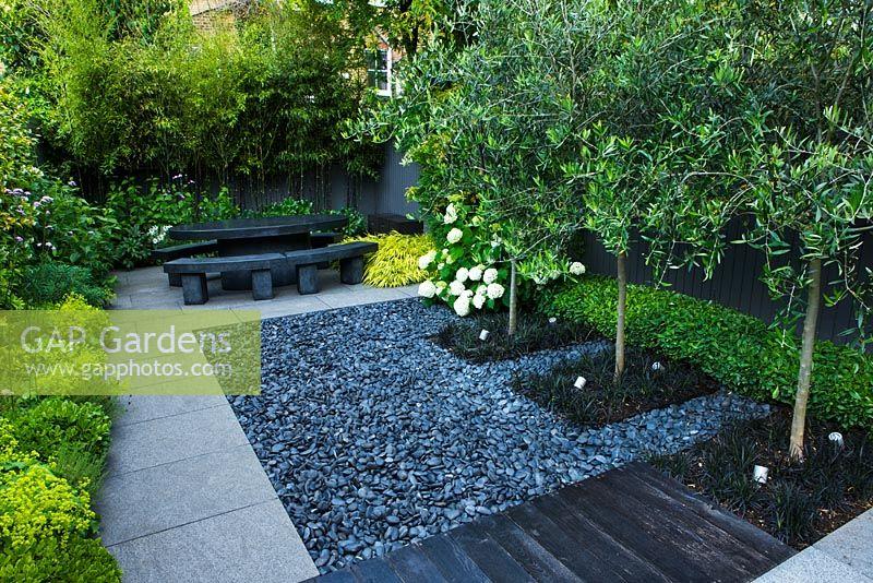 Dark Grey Garden Pebbles