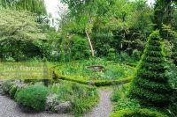 GAP Gardens - Cottage garden with topiary box spiral ...