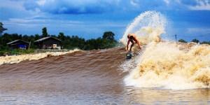 sungai-kampar-surfing