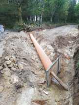 Preparado de tuberías en carretera obra pública