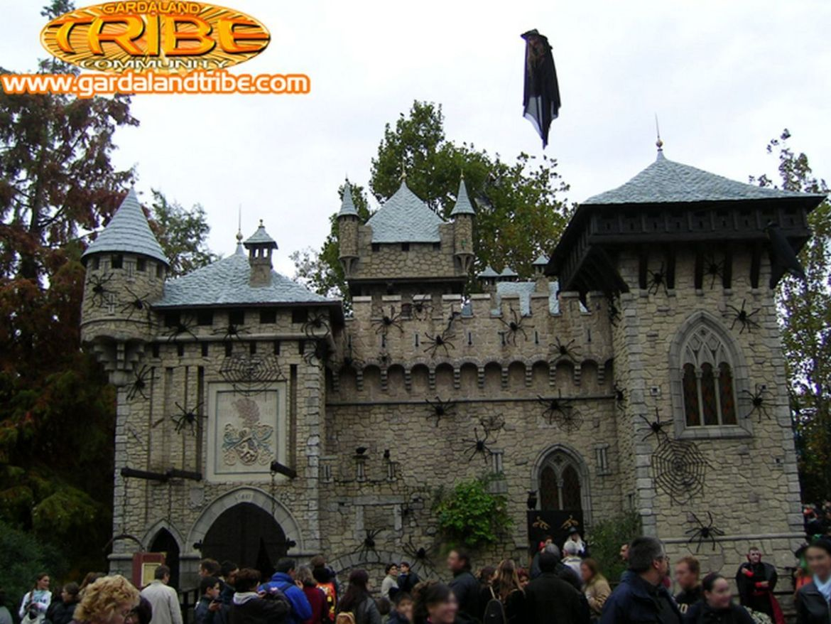 gardaland-tribe-history-aperture-speciali-magic-halloween-2004-02