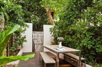 Small Fenced Backyard Landscaping Ideas - Best Garden Reference for Small Fenced In Backyard Landscaping Ideas
