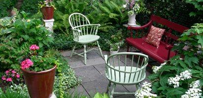 Small Garden, Big Interest Eric Sternfels (Homeowner) Philadelphia, PA