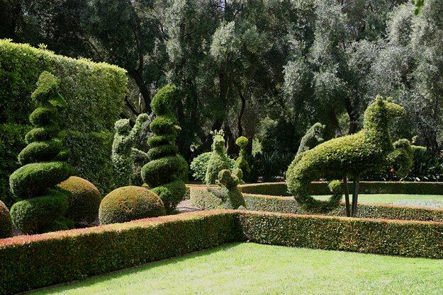 Topiary Fantasyland In Santa Barbara Garden Design