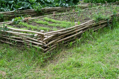 Best building material for raised garden beds - Safest material for raised garden beds ...