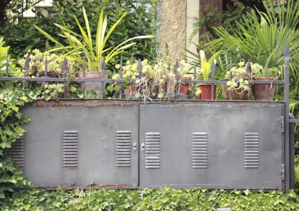 camouflaging utility boxes in