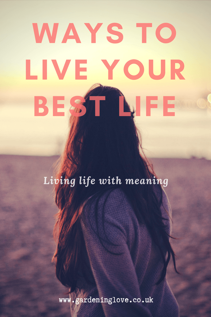 We all dream of living our best life possible. Sometimes we fall off track. Get back on your quest for life satisfaction with these top tips to inspire you. #bestlife #lifehacks #inspirationallife #lovelife