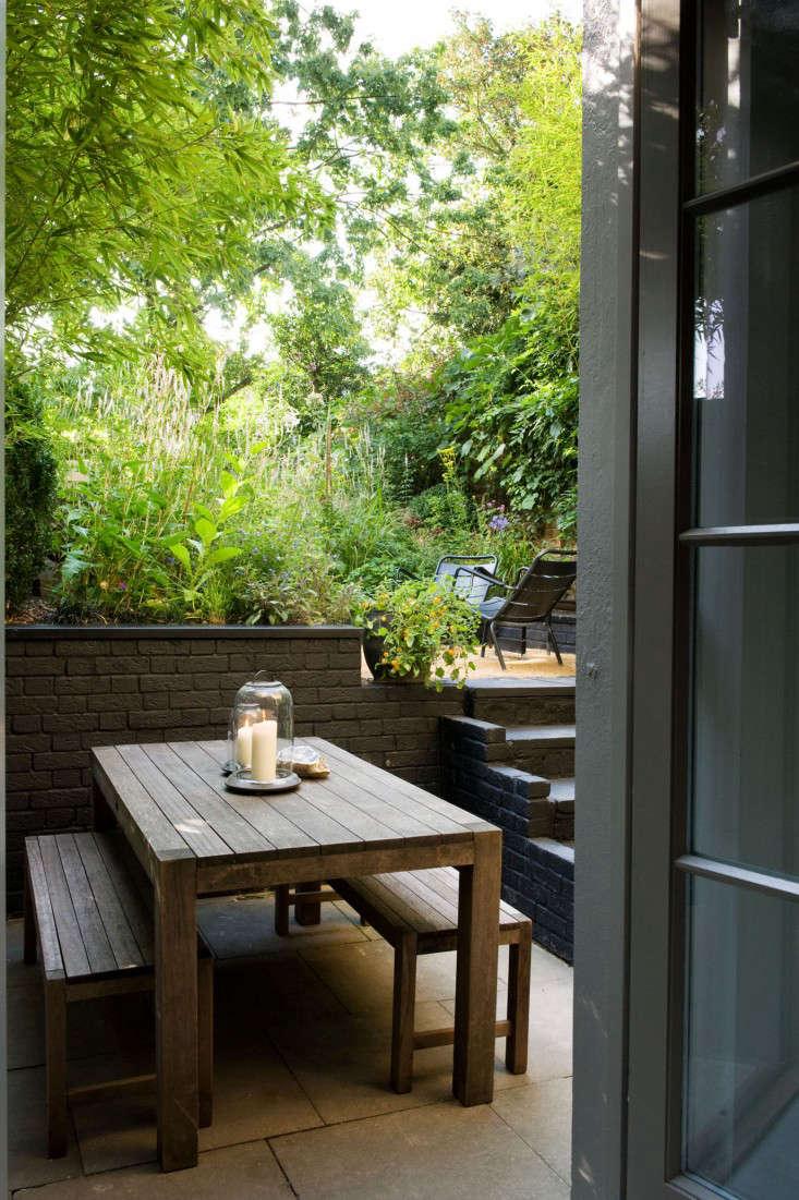 Designer Visit The Black And Green Garden Of Chris Moss