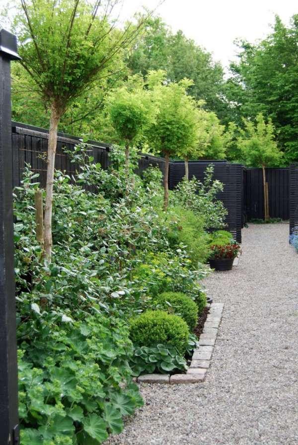 trend alert black fences - gardenista