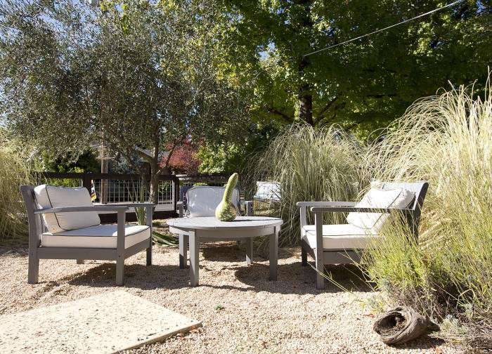 Low Cost Luxe 9 Pea Gravel Patio Ideas To Steal Gardenista