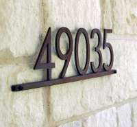 10 Easy Pieces: Modernist Metal House Numbers - Gardenista