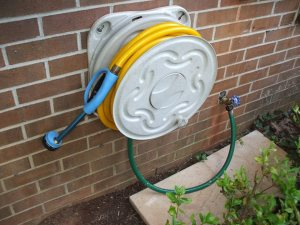 How to repair a hose reel