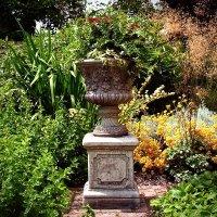 Stone Tuscan Garden Urn - Large Stone Urns