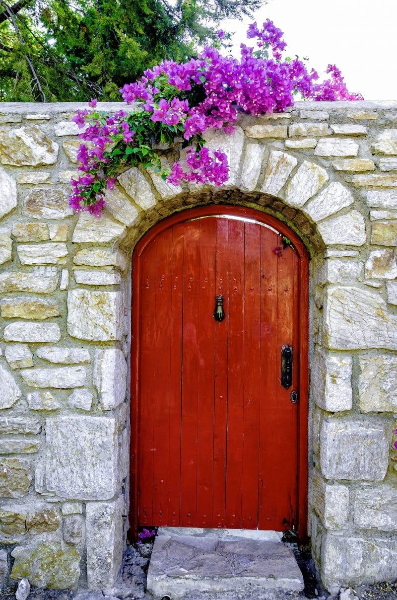 27 Beautiful Flower Garden Gate Ideas To Add Curb Appeal