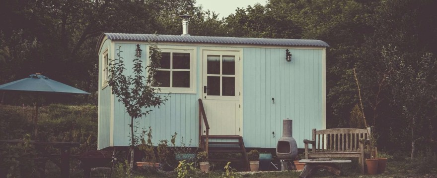 Can I Live in a Log Cabin in My Garden? Let's find out