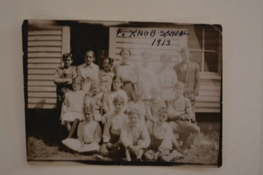 Frenchman's Knob School students, circa 1913. Photo courtesy Hart County Historical Society.