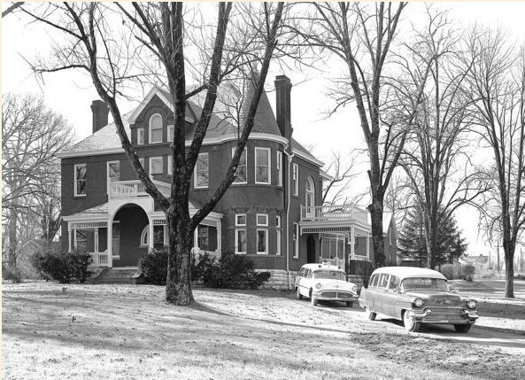 A 1940s photograph of the Saffell House, courtesy of http://saffellhousefuneralhome.com/39/History.html
