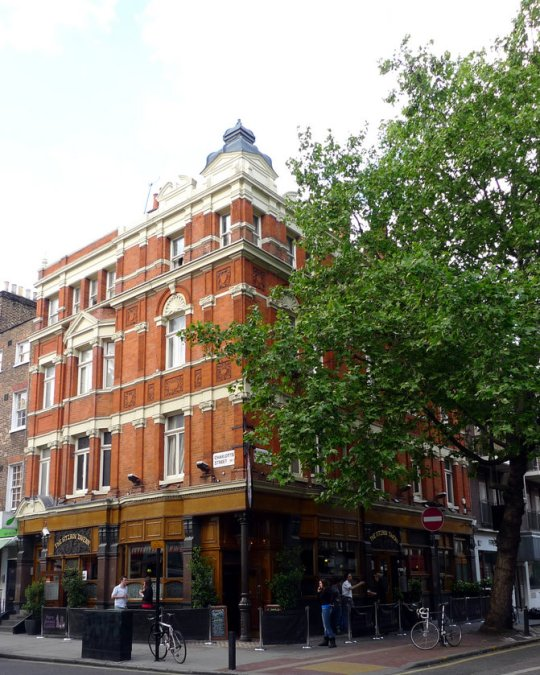 Fitzroy Tavern in London, courtesy Wikimedia Commons.