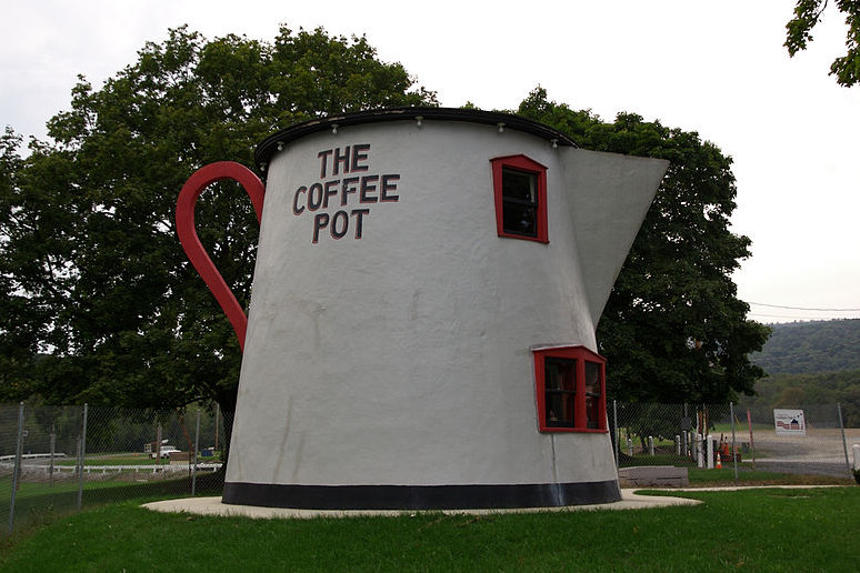 The Bedford Coffee Pot in Pennsylvania is an earlier version of coffee pot roadside architecture.