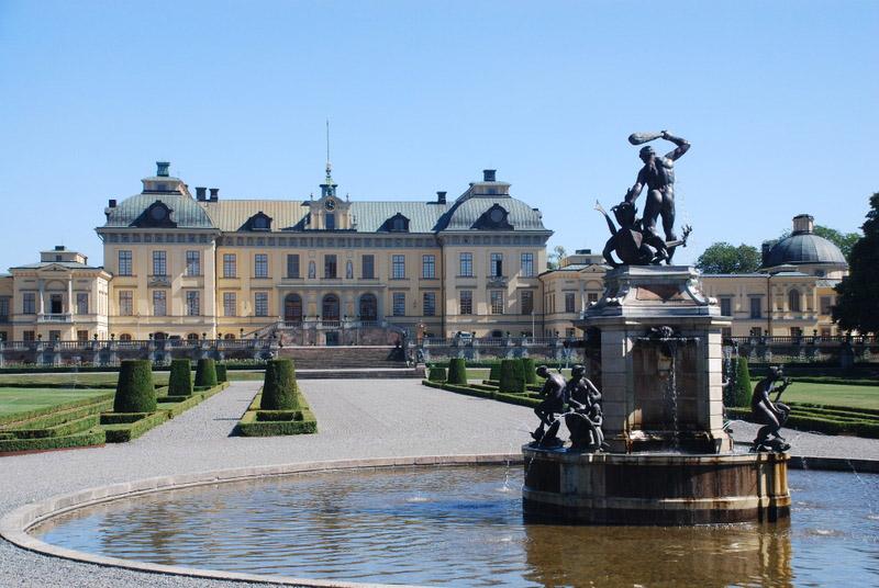 https://i0.wp.com/www.gardenvisit.com/assets/madge/drottningholm_palace_sweden/600x/drottningholm_palace_sweden_600x.jpg