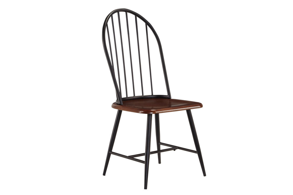 Shanilee Round Dining Table With Four Black Side Chairs
