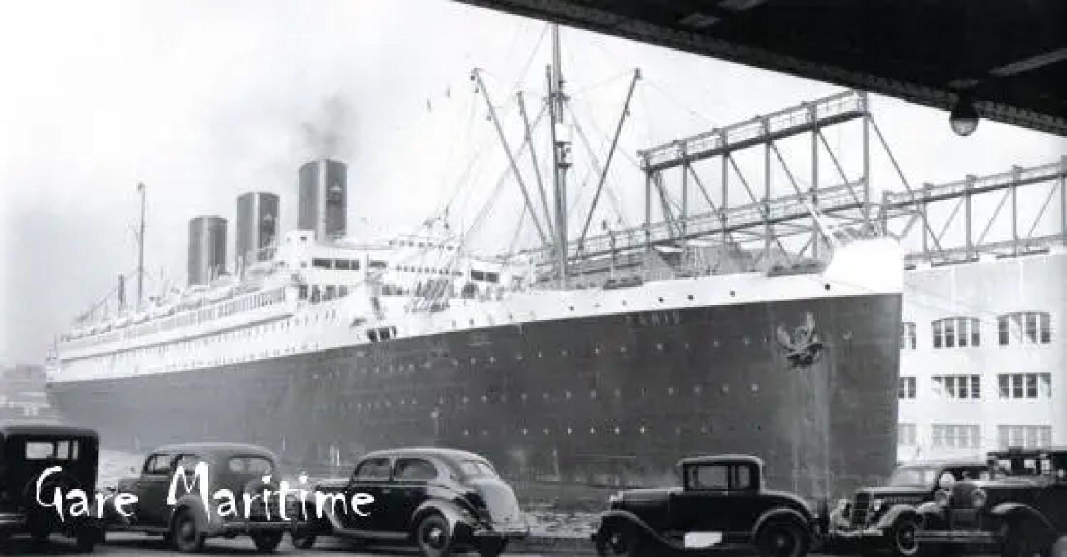 SS Paris at dock