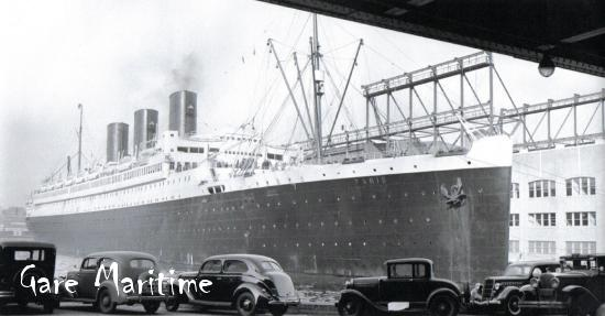 SS Paris at dock