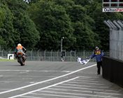 Garf 17 takes the flag at Oulton Park