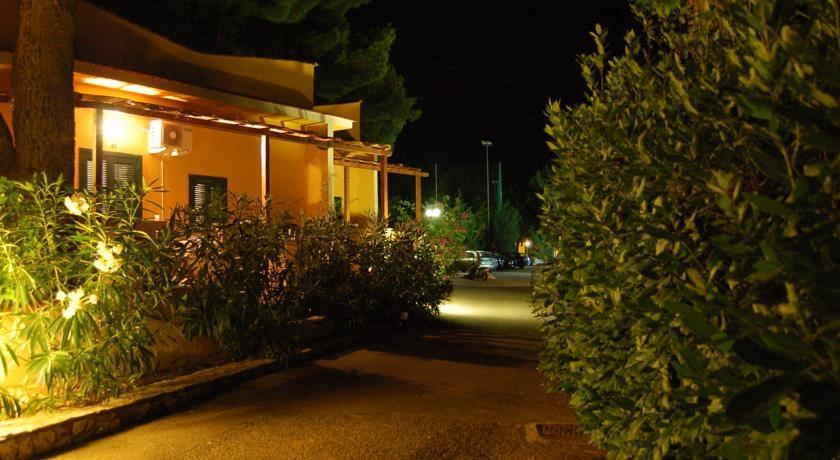 Villaggio Elisena Vieste  garganoit