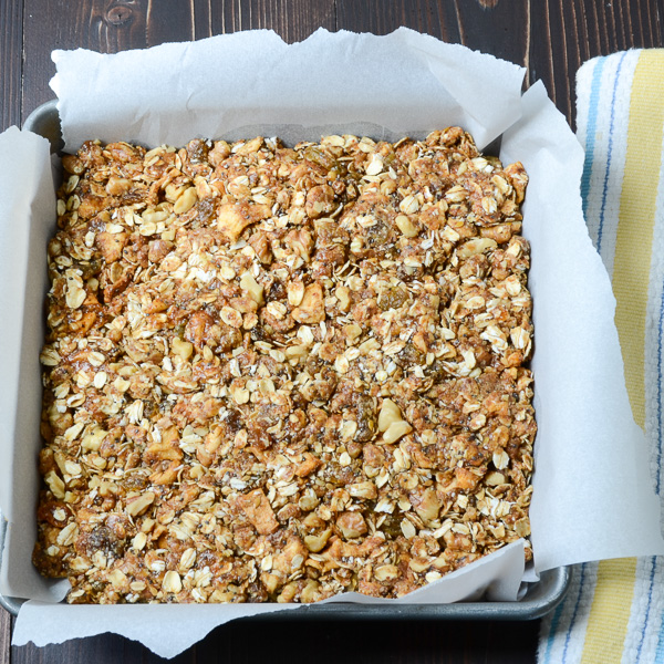 apple walnut spice granola bars-13