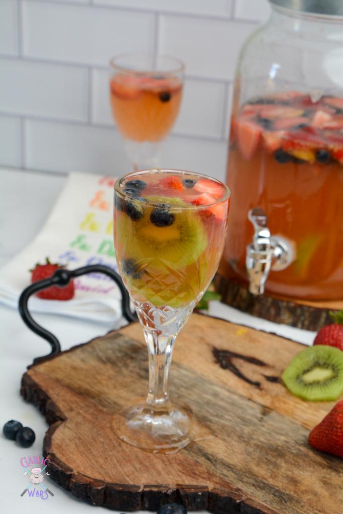 summer sangria with kiwi